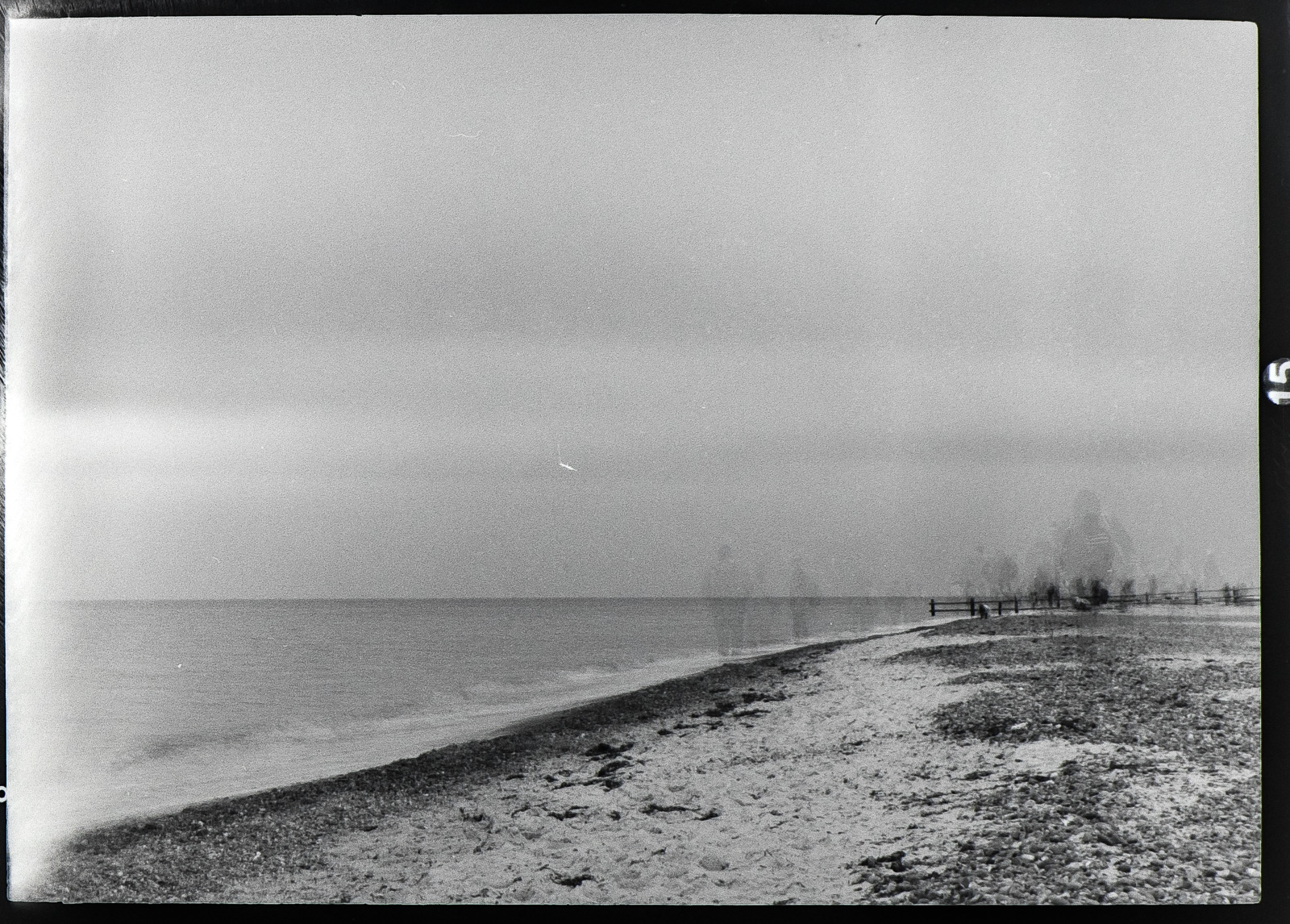 Darßer Ort, Strandansicht diffus, Langzeitbelichtung mit Menschenschatten